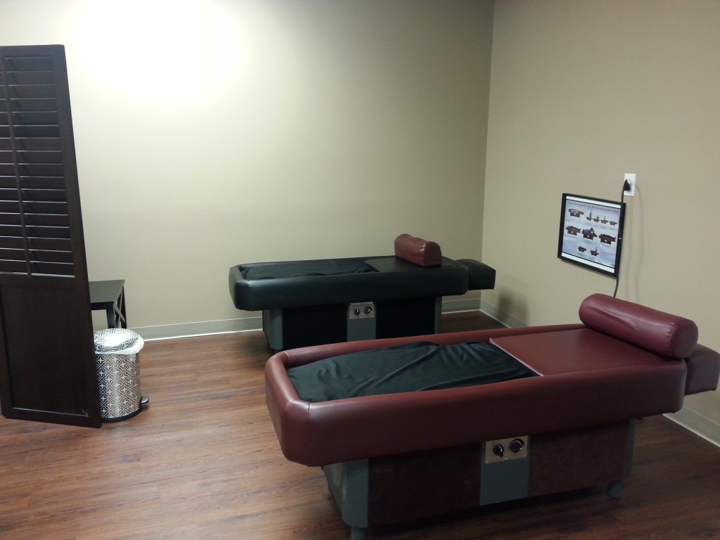 Hydro massage tables